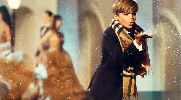 Burberry_Christmas_2014