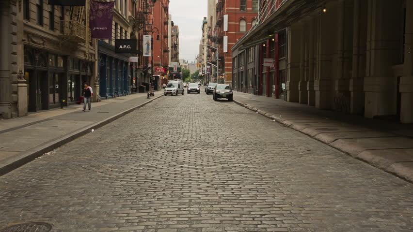 Soho_US_CobbledStreet